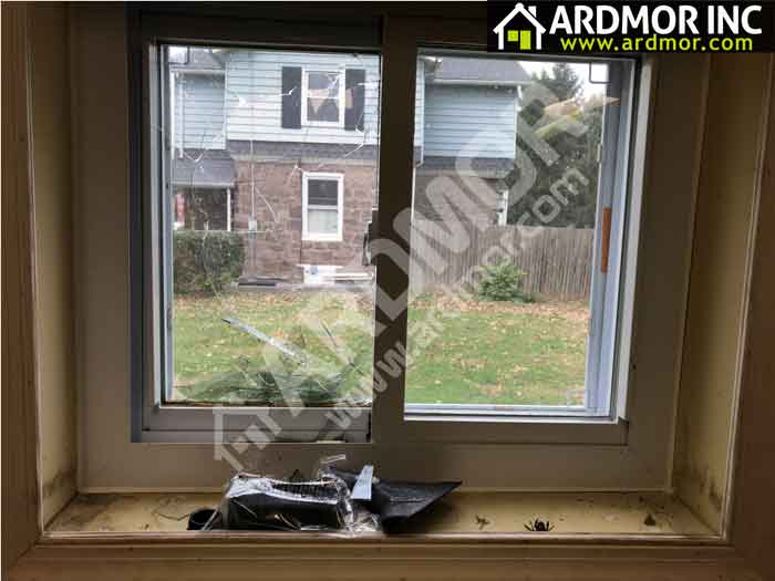 Broken_Sliding_Window_Glass_Replacement_Yardley_PA
